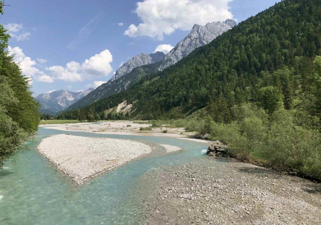 Ich mag diese Kulisse mit dem schönen Rißbach im Karwendel